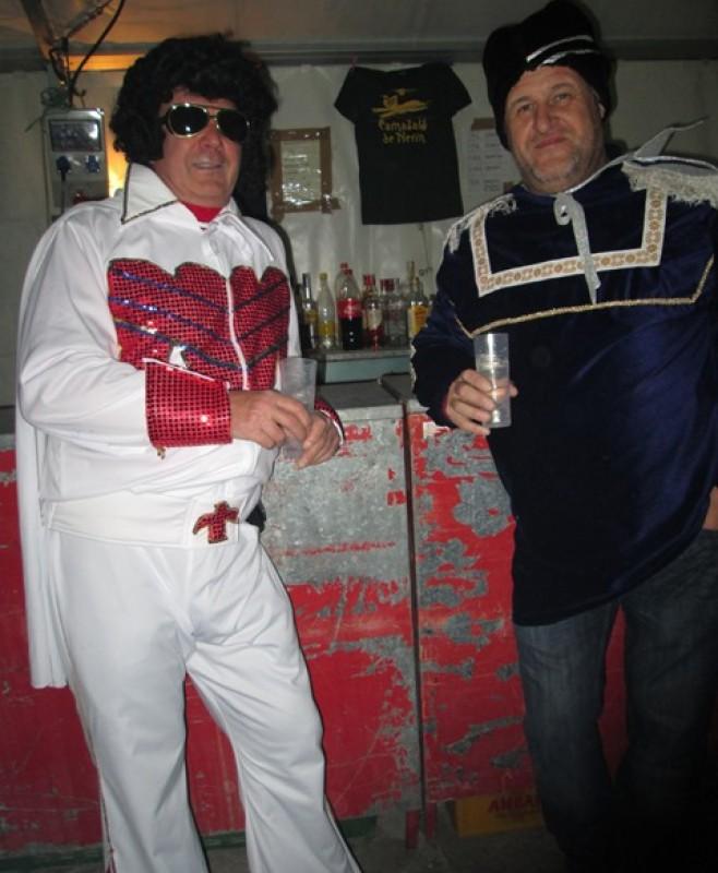 Roquero y ruso en el carnaval de Nerin.